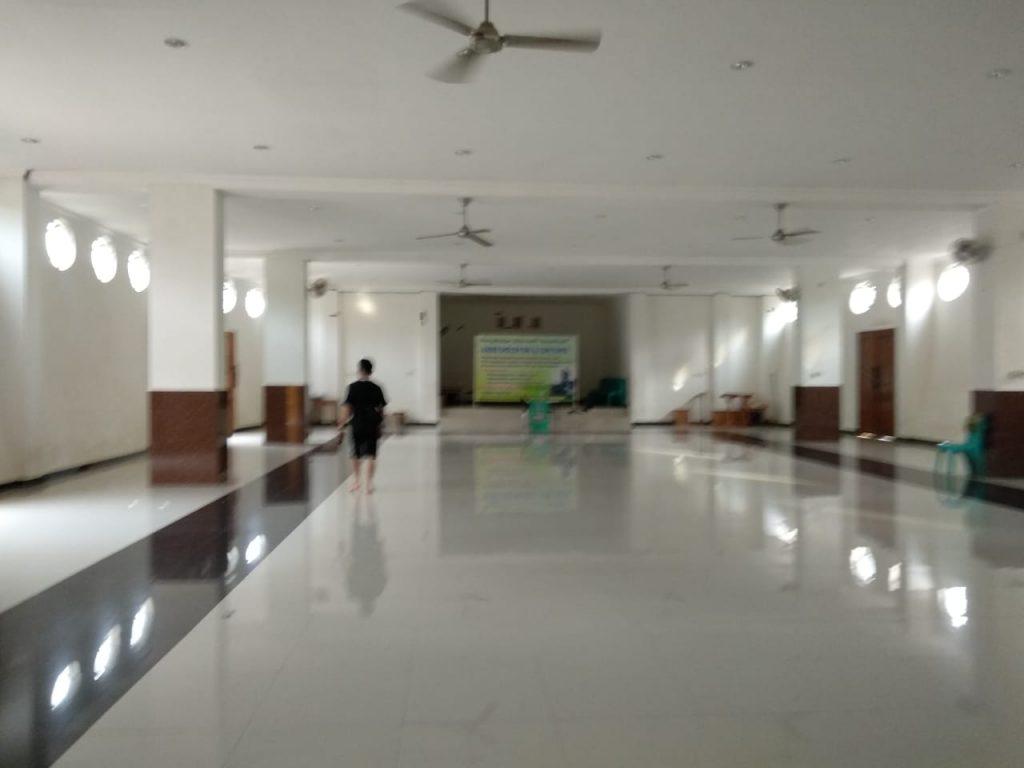 lantai 1 masjid Kapal Semarang