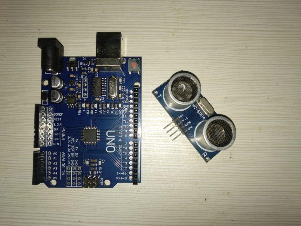arduino dan sensor HCSR04